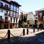 Plaza Gipuzkoa in Hondarribia's old quarter|BaskMe private tours|sightseeing tours|La Côte Basque